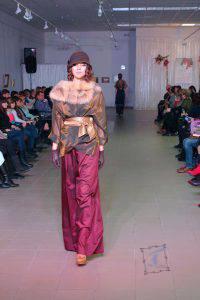 На думку авторів колекції, модерн в одязі, не відображає минуле, а пророкує майбутнє.