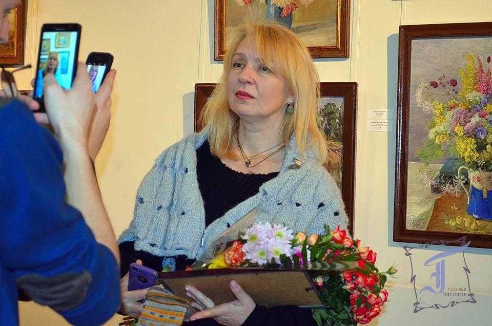 Алла Тимошенко, член НСХУ, завідувачкавідділомнауково-масової та виставкової роботи. Фото Л. Семеніхіної