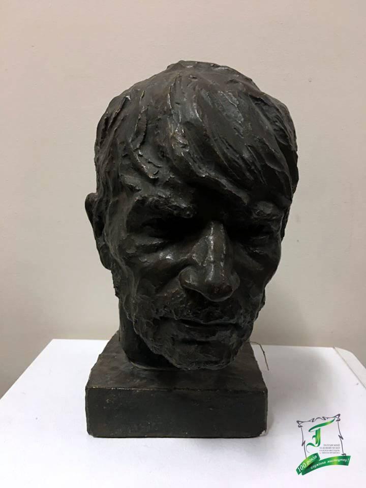 Посполітак К.С. Чоловічий портрет. Гіпс, тон. 1959. 34х21х23,5.